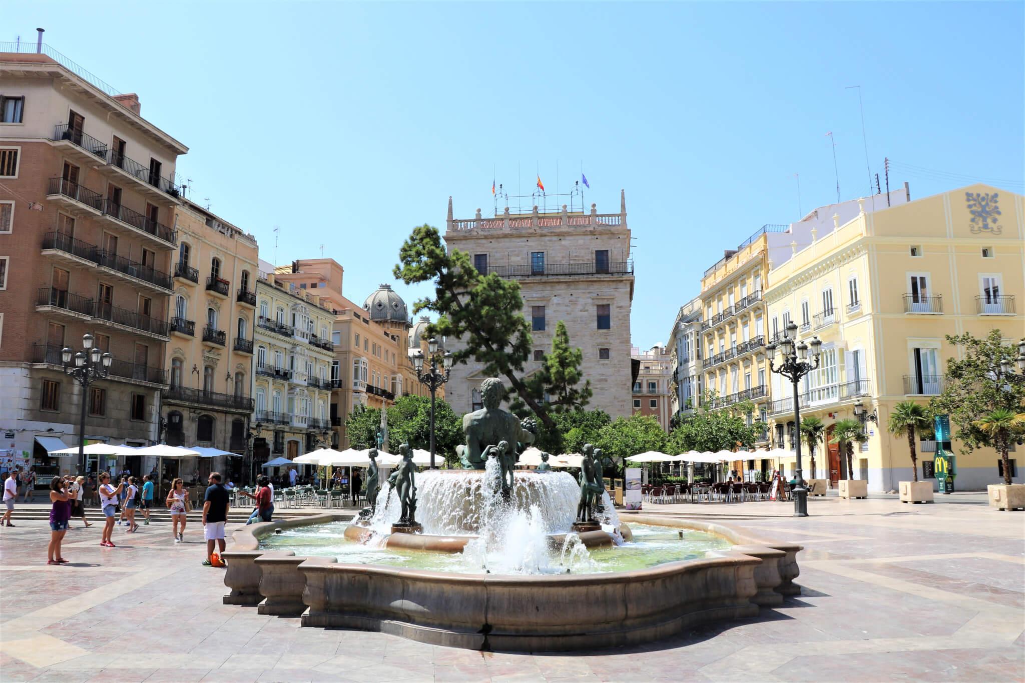 Plaza-de-la-virgen-valencia-pleinen