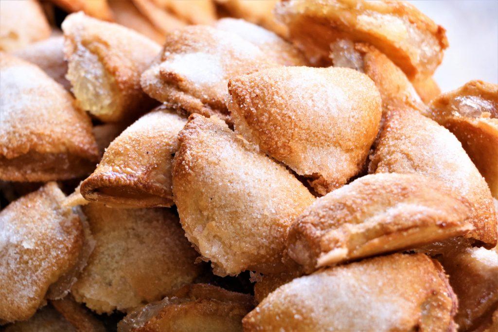 zoetigheden-pasen-valencia-spanje-pasteles-de-boniato-semana-santa