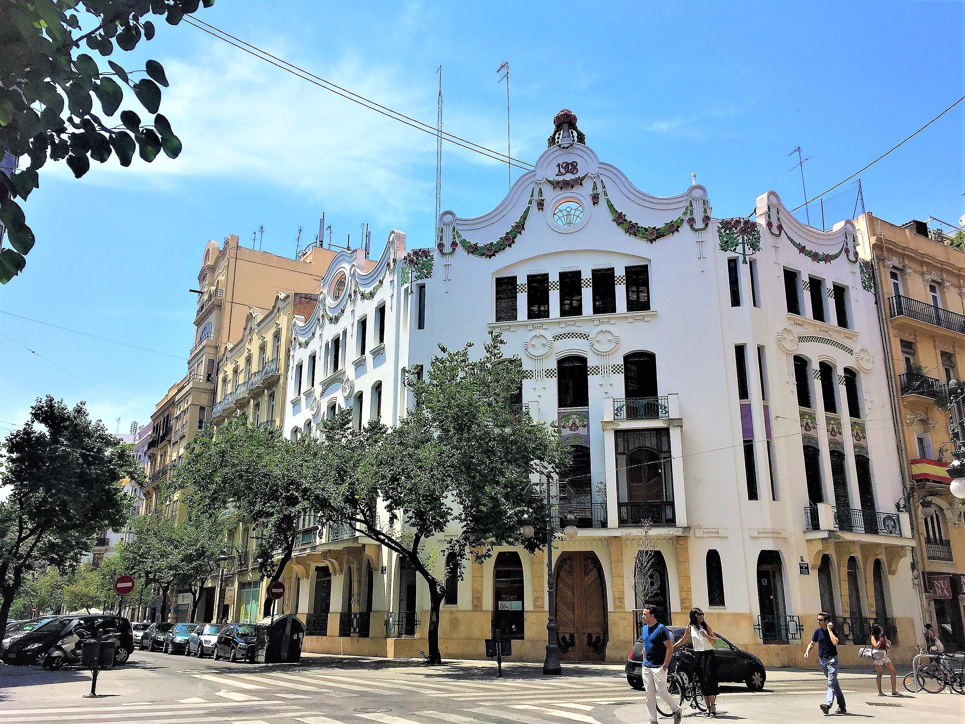 architectuur-valencia-edificio-ferrer